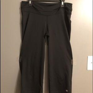Large Champion Capri Workout Pants